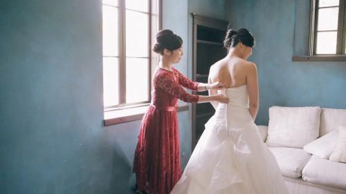 Bride getting ready Tuscany