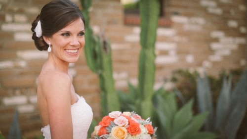 Bride with bouquet at Estancia.