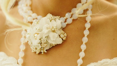Bride floral necklace
