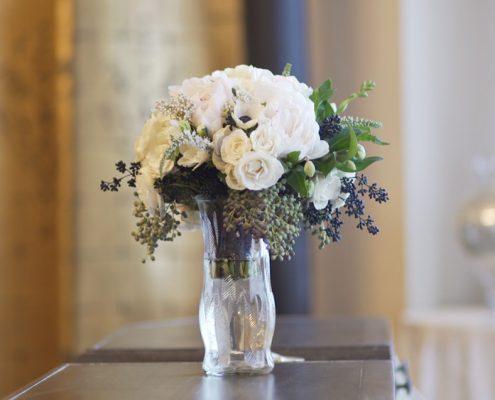 bride bouquet Twin Oaks Weddings