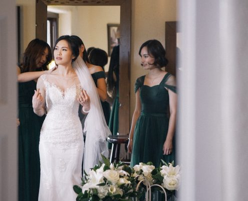 Bride getting ready mt woodson castle
