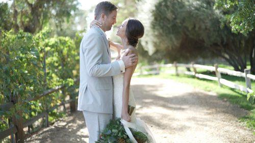 Bride and groom  at Lake Oak Meadows in Temecula.